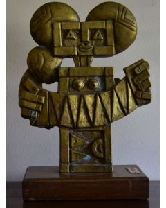 Ibrahim Kodra, La dea della fertilità, bronzo, 40x25x14 cm