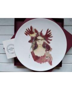 Ornella Micheli, Ruit hora, piatto in porcellana bone china, diametro 28 cm