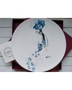 Ornella Micheli, Aliunde, piatto in porcellana bone china, diametro 28 cm