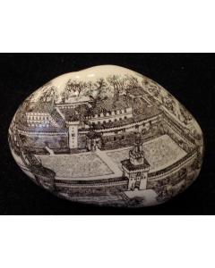 Franchina Tresoldi, Castello Sforzesco, ciottolo in ceramica decorata, 12x12 cm
