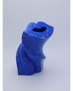 Fè, KISS2020 OVERSIZE, scultura in PLA stampa 3D dipinta a mano, 25x17x16 cm