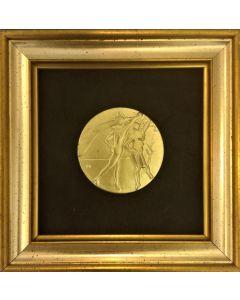Salvador Dalì, Le arti- La danza, incisione su bronzo placcato d'oro 24 KT, 17x17cm