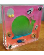 Renzo Nucara, Stratofilm (chiocciola), Plexiglass, resine, oggetti, 10x10 cm, tratto dalla collezione The Gadget